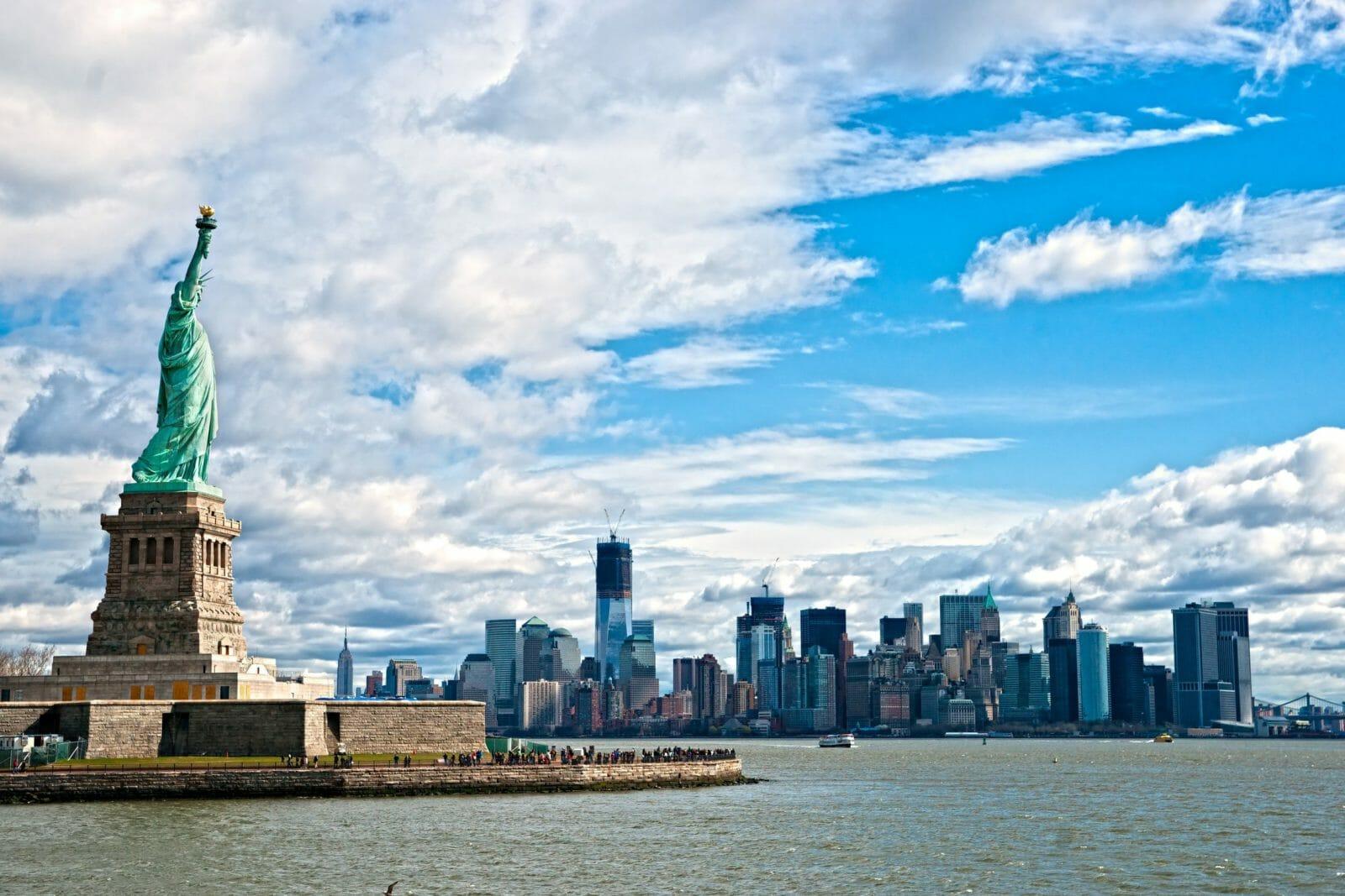 Поток самостоятельных путешественников изРоссии вАмерику загод вырос на11%