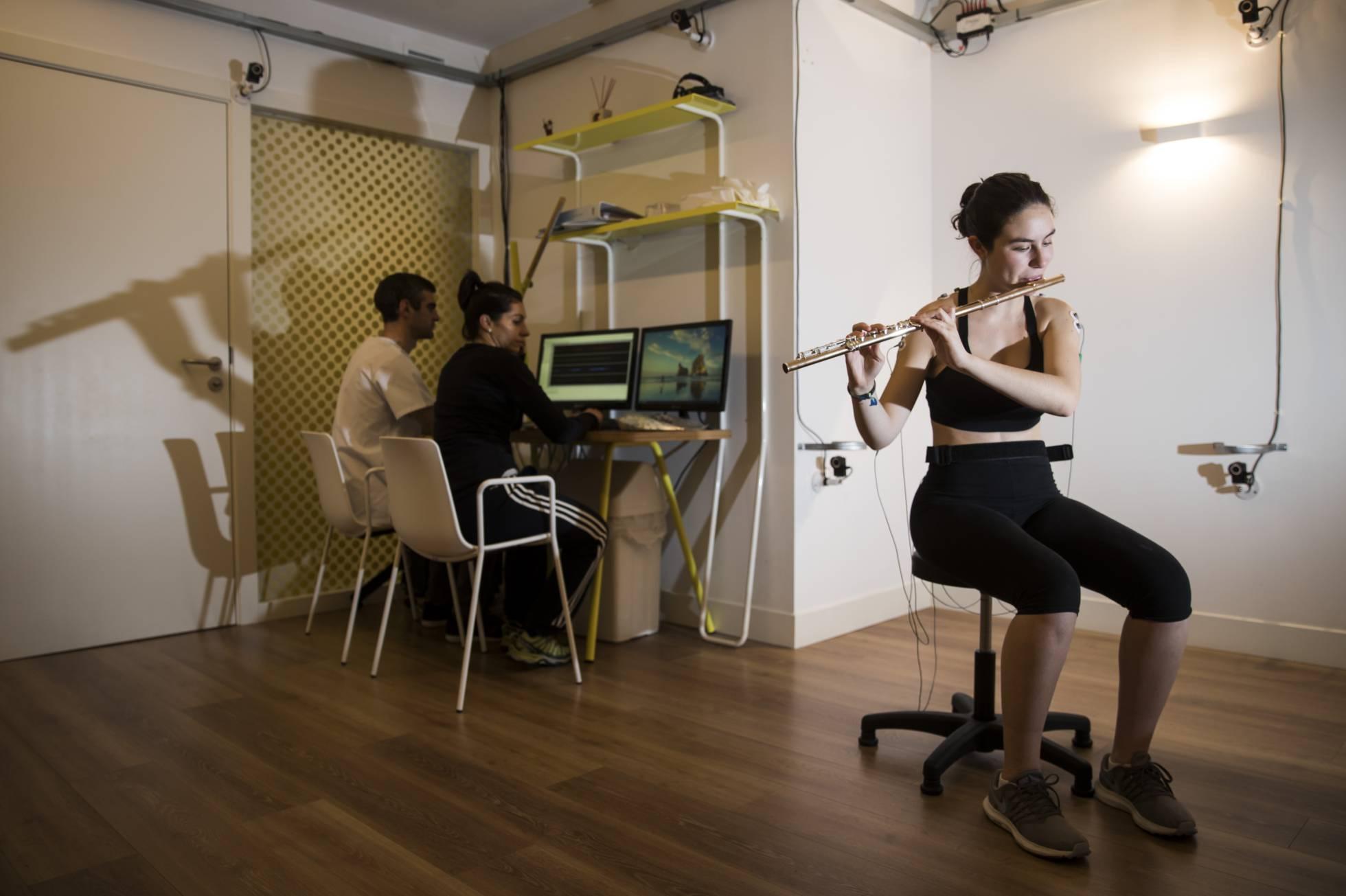 Специалисты из города Ла-Корунья разрабатывают терапию для решения проблем опорно-двигательного аппарата у музыкантов